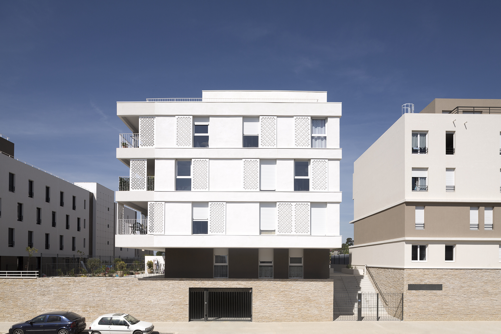 Yellow Architecture Céline Martin Alyzéa Grisettes Montpellier Avril 2015