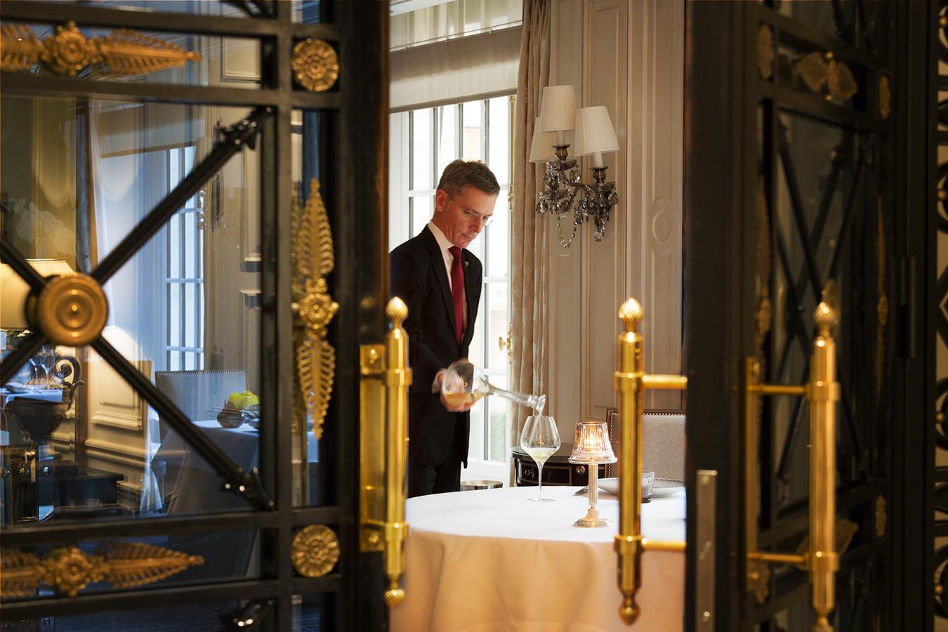 mc-lucat-hotel-palace-shangri-la-paris-cote-vin-clair-de-lune-2016